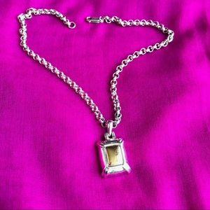 Beautiful silver necklace!